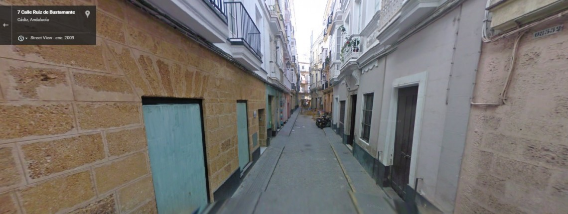 Calle Ruiz Bustamante, 4
