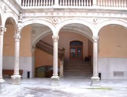 Palacio-de-las-Dueñas-2